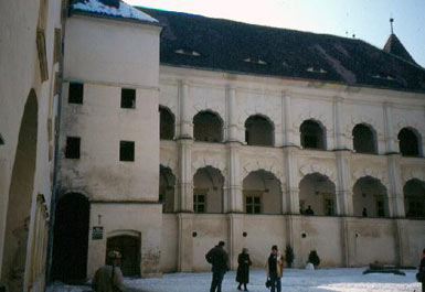 Fagaras Castle, Courtyard